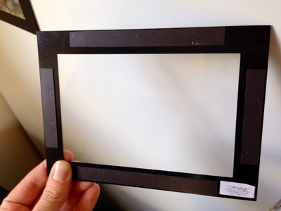 Magnetic frame, fridgee, fridgee frame, frame with magnets