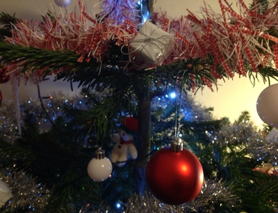 Christmas tree, red baubles, white baubles