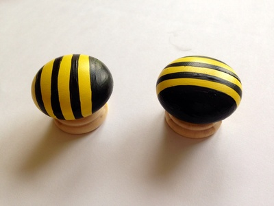 Bumble bee cupboard knob, bumble bee chest of drawers knob, bee decor, kids room bumble bee, bee kids room decor