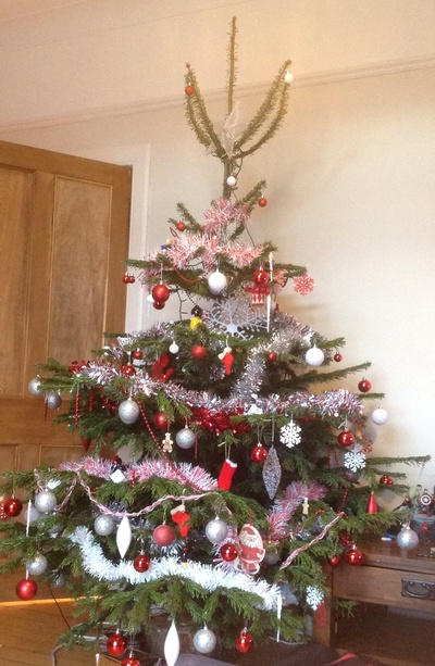 Christmas tree, red and white decoration