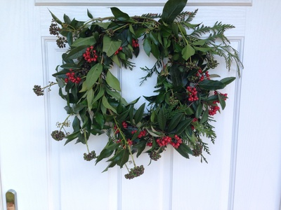 Mistletoe, mistletoe above door, mistletoe decoration