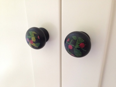 Decorated cupboard knob, decorated cupboard pull, decorated wardrobe knob, DIY cupboard knob, craft cupboard handle, decorating cupboard knob tutorial