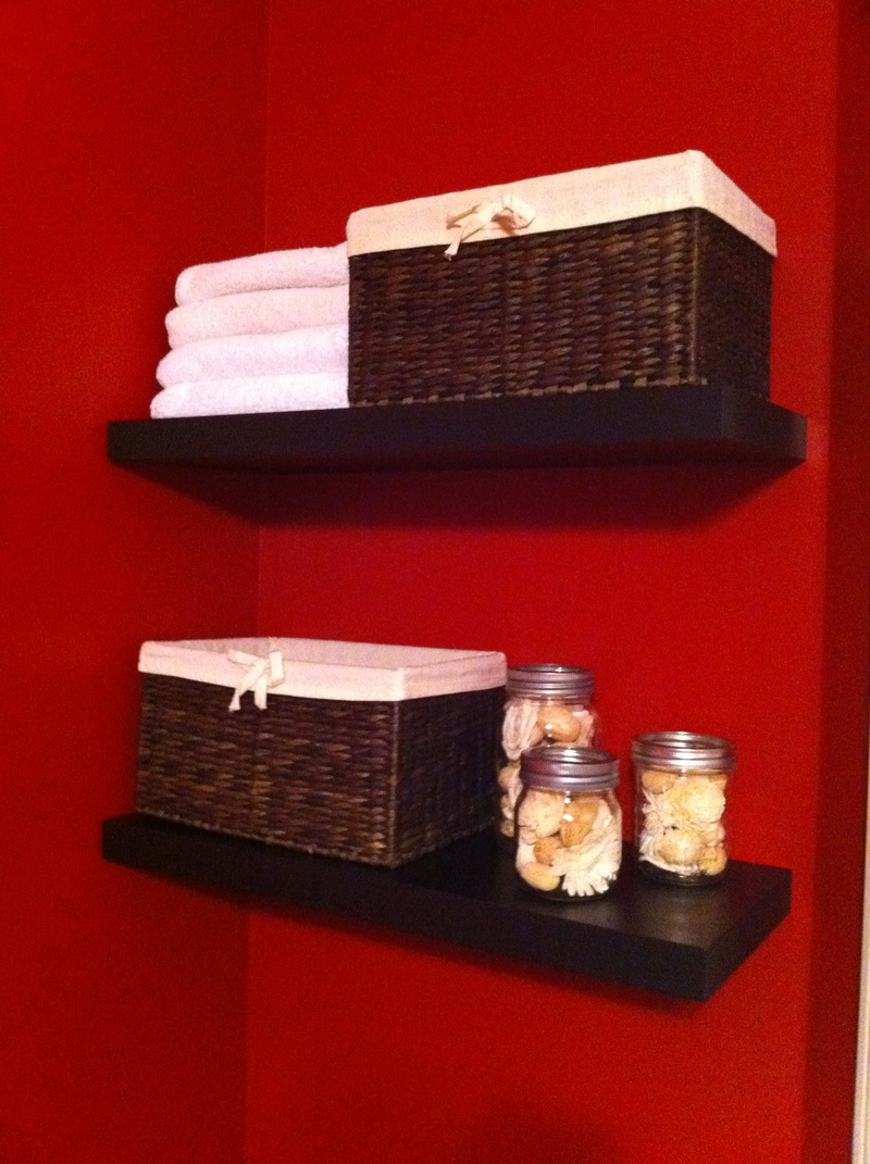 Final  - Easy Floating Shelf Storage for Small Spaces