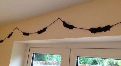 Halloween bat bunting, homemade Halloween decorations, bat decorations, bat bunting, DIY bunting,