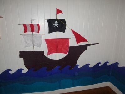 pirate ship kids bedroom, pirate room decor, kids room pirate theme, pirate theme decoration, pirate ship