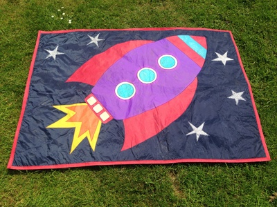 Rocket, rocket mat, rocket ship mat, play mat for kids, kids picnic mat tutorial, waterproof picnic mat kids