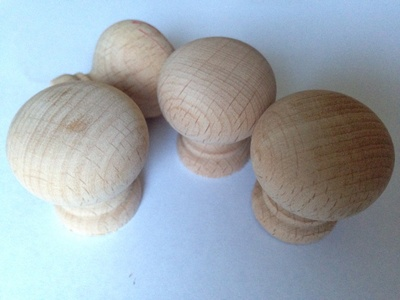 Wooden cupboard knobs